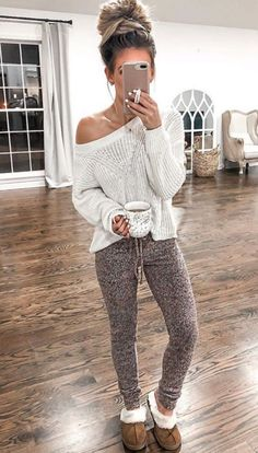 Trendy Winter Outfits To Wear Now white and brown bear plush toy Lazy Fall Outfits, Fall Winter Outfits, Casual Outfits, Cute Outfits, Cute Lounge Outfits, Spring Outfits, Look Fashion, Winter Fashion, Woman Fashion
