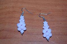 Tante piccole idee realizzate: Orecchini pendenti con perle sfaccettate rosa.