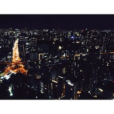 Instagram【jigujumin】さんの写真をピンしています。 《도쿄타워에서 본 야경 도쿄타워가 하나 더!!?? Tokyo's night view@tokyotower There is another Tokyo tower!?!? . . . #japan#tokyo#tokyotower#tokyonight#night#nightview#일본#도쿄#도쿄타워#야경#日本#東京#東京タワー#夜景#instagood#daily》