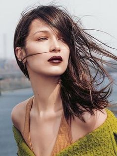 8 Dark Lipstick Shades and How to Wear Them This Fall - Vogue Dark Lipstick Shades, Best Matte Lipstick, Fall Lipstick, Matte Lipsticks, Winter Looks, Fall Winter, Magnetic Face Mask, Beauty Make Up, Hair Beauty