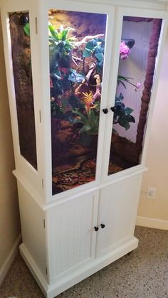 This would be so cool Fully repurposed DIY Chameleon Vivarium. Reptile Cage, Iguana Reptile, Reptile Habitat, Reptile Room, Reptile Pets, Gecko Vivarium, Chameleon Enclosure, Snake Enclosure, Bearded Dragon Cage