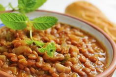 Ottime per accompagnare secondi a base di carne o per sostituirla, le lenticchie secondo tradizione portano fortuna. Non facciamole