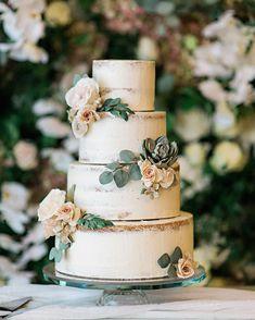 Four tier wedding cake with earth tone sugar flowers & greenery #weddingcake #cakephoto #wedding