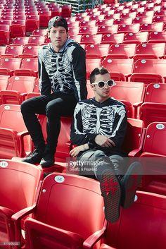 Musical duo Twenty One Pilots comprised of Josh Dun and Tyler Joseph are photographed for Billboard Magazine on October 2015 in Los Angeles, California. Melanie Martinez, Emo, Rasengan Vs Chidori, Tyler Joseph Josh Dun, Les Beatles, Indie, Screamo, Troye Sivan, Staying Alive
