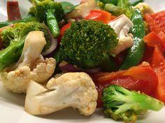 Grønnsakswok💚 Broccoli, Cauliflower, Vegetables, Food, Cauliflowers, Veggies, Vegetable Recipes, Meals, Yemek