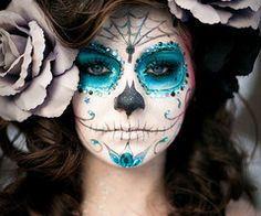 The 11 Best Halloween Makeup Ideas - Not sure what to dress up as? Check out these Halloween Makeup Ideas for a little inspiration. makeup wolf The 11 Best Halloween Makeup Ideas Sugar Skull Make Up, Sugar Skulls, Sugar Skull Face Paint, Candy Skulls, Maquillage Sugar Skull, Fantasy Makeup, Fantasy Hair, Dark Fantasy, Artistic Make Up