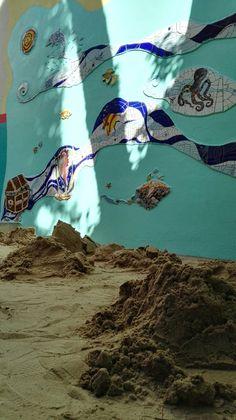 Ricardo Stefani y Julia Gurwicz. Mural mosaico Un Mar de Juegos. JRdin de infantes integral n1 Alfredo Palacios