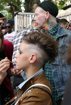 I actually like the defined line. interesting twist on this increasingly popular haircut.... not to mention that I LOVE this pomp friendly do :)