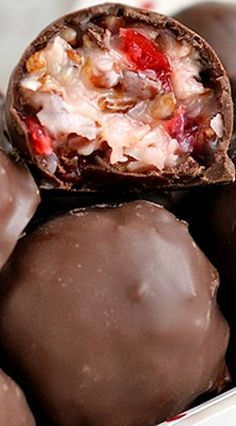 Martha Washington Candies (Substitute Real Chocolate Chips for Candiquick) Christmas Cooking, Christmas Desserts, Christmas Crack, Xmas, Fudge Recipes, Dessert Recipes, Just Desserts, Delicious Desserts, Martha Washington Candy