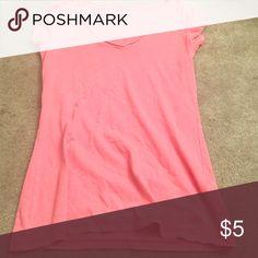 Hollister pink v-neck Pink V-neck Hollister Tops Tees - Short Sleeve