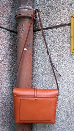 #Carrot #BigStella, #Chiaroscuro, #MadeInIndia, #PureLeather, #Handbag, #Bag, #WorkshopMade #Leather #Casual #Vintage #ShoulderBag #Sling http://chiaroscuro.in/products/carrot-big-stella