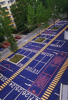 Playing-Parking Flämingstrasse Berlin (Germany), 1998 G. Kiefer #arquitectura #espacios libres