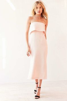 14 wedding weekend outfit ideas for under $250.