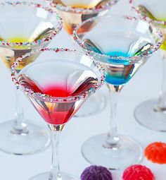 Check out more tasty cocktail recipes here - http://dropdeadgorgeousdaily.com/2014/01/pink-sprinkles-cocktail-recipe/