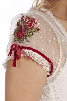Dirndl Detail ~ Cap Sleeve with Roses . Beaded Embroidery, Cross Stitch Embroidery, Hand Embroidery, Embroidery Designs, Kleidung Design, Diy Kleidung, Sleeve Designs, Blouse Designs, Super Moda