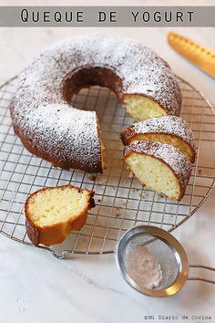 No Bake Desserts, Dessert Recipes, Apple Pie Bread, Chilean Recipes, Pan Dulce, Almond Cakes, Pastry Cake, Coffee Cake, Love Food