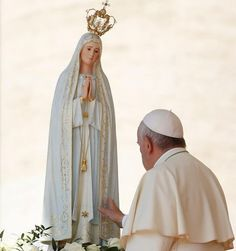 Every Catholic diocese and eparchy in the state will be dedicated to the Blessed Virgin Mary this year, in observance of the anniversary of the apparition of the Blessed Mother at Fatima. Catholic Religion, Catholic Saints, Catholic Art, Catholic Prayers, Catholic News, Rosary Catholic, Blessed Mother Mary, Blessed Virgin Mary, Papa Francisco