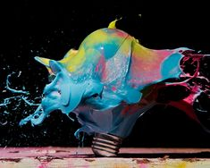 High Speed Photos of Exploding Light Bulbs. Indiana-based photographer Jon Smith invites everyone to the fascinating world of high speed photography with his colorful series of exploding light bulbs. High Speed Photography, Art Photography, Motion Photography, Experimental Photography, Colour Pallette, Unique Lighting, Funky Lighting, Watercolor Art, Street Art