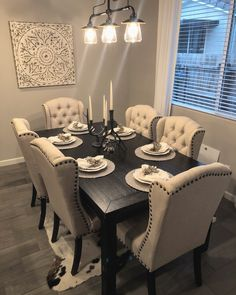 Dining Room Table Decor, Elegant Dining Room, Luxury Dining Room, Dining Room Sets, Dining Room Design, Dining Room Furniture, Dinning Room Ideas, World Of Interiors, Coffee Table Design