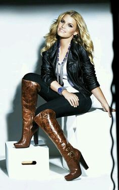 Leather jacket, white shirt, statement necklace, jeans, boots outfit