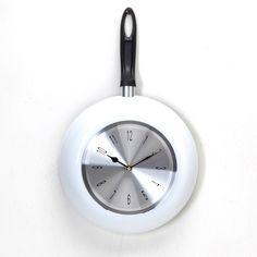 Relógio Frigideira Branca. http://www.showdepresentes.com.br/856033/ReLoGio-De-PaReDe-FRiGiDeiRa-BRanCa