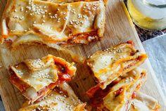 Bocadillos de pizza con panceta y mozzarella. Receta para el picoteo