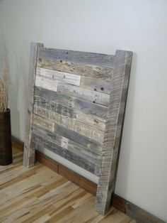 Wood Headboard Reclaimed Wood Twin Headboard by JNMRusticDesigns Reclaimed Wood Bed Frame, Wood Pallet Beds, Wood Pallets, Wood Sofa, Weathered Wood, Distressed Headboard, Reclaimed Wood Headboard, Diy Headboards, Twin Headboard