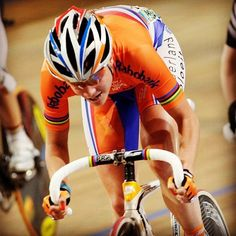 To my last Worlds track, five years ago. Marianne Vos, London Now, 5 Years, Cycling, Track, World, Biking, Runway, Truck