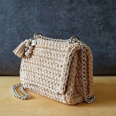 Good morning! #lianaknit #пряжалиана #пряжаспагетти #трикотажнаяпряжа #вязанаясумка #вязаныйклатч #spagettispb #knitting #knittingbag