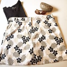 Skort NWT cute Skort.  Super cute to wear so many ways. I've had these in several sizes!  Excellent condition. Anything priced $10 or under is firm unless bundled. White Stag Shorts Skorts