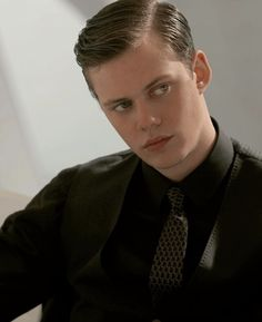 Bill Skarsgard Hemlock Grove, Bill Skarsgard Pennywise, Roman Godfrey, Grunge Photography, Andy Black, Kill Bill, Alexander Skarsgard, Flower Boys, Red Eyes