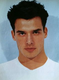 Antonio Sabato, Jr. was so well-known as Calvin Klein's model that the brand didn't have to be shown.
