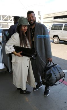Some Sweet Black Love: Erykah Badu Coupled Up With Carl Jones At LAX - Click link to view & comment: http://www.afrotainmenttv.com/some-sweet-black-love-erykah-badu-coupled-up-with-carl-jones-at-lax/