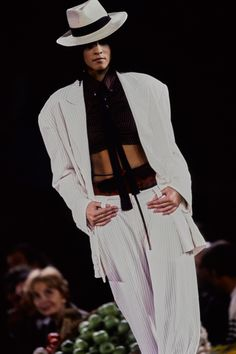 See the complete Jean Paul Gaultier Spring 1998 Ready-to-Wear collection.