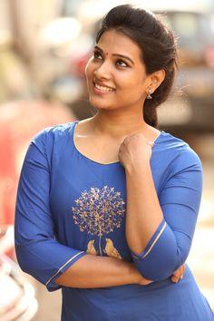 Tamil News Anchor & Beautiful Model Dhivya Dhuraisamy Latest Stills. Beautiful Girl In India, Beautiful Girl Photo, Beautiful Models, Beautiful Beautiful, Beautiful Bollywood Actress, Most Beautiful Indian Actress, Beautiful Actresses, Beauty Full Girl, Beauty Women