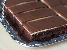 Kanelitytön kakkuparatiisi: Kinderpiirakka