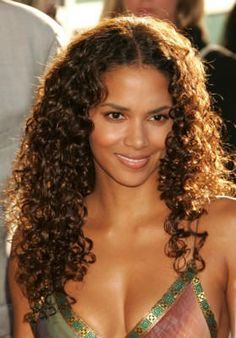 Check out this stylish curly hair!