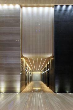 High level ceiling ripples down in lift lobby Lobby Interior, Arch Interior, Office Interior Design, Interior Lighting, Hall Hotel, Hotel Corridor, Luxury Hotel Design, Hotel Lobby Design, Arquitetura