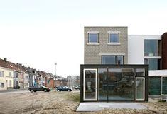a f a s i a: architecten de vylder vinck taillieu Garage Doors, Outdoor Decor, House, Modern, Instagram, Home Decor, Architecture, Houses, Contemporary Art