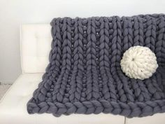 BeCozi is a home for chunky Merino wool blankets, super chunky yarn, DIY Knitting kits, giant needles, knits and much more. Buy a unique gift for everyone! Knitted Blankets, Merino Wool Blanket, Crochet Ripple Blanket, Crochet Blanket Patterns, Knitting Patterns, Super Chunky Yarn, Chunky Blanket, Blanket Sizes, Tricot