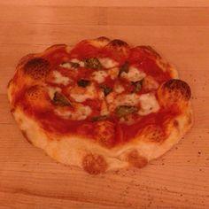 Basil and fresh mozzarella pizza Fresh Mozzarella Pizza, Vegetable Pizza, Basil, Cauliflower, Vegetables, Cooking, Food, Kitchen, Cauliflowers