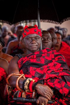 Africa | Ashanti chief at a funeral in Kumasi. Ghana | © Anthony Pappone