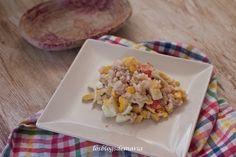 Tomates con queso de rulo de cabra y anchoas | Comer con poco