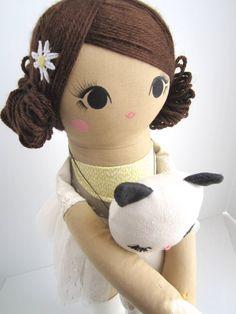 He encontrado este interesante anuncio de Etsy en https://www.etsy.com/es/listing/259728305/mend-custom-order-rag-doll