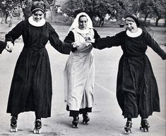 Here Are 25 Vintage Pictures of Nuns Having Fun . vintage × by image These vintage photographs below reveal the surprising side of convent life. Here are nuns on roller coasters. Caravaggio, Nuns Habits, Stairway To Heaven, Lady Madonna, Sisters Of Mercy, Bride Of Christ, Les Religions, Roller Derby, Roller Skating