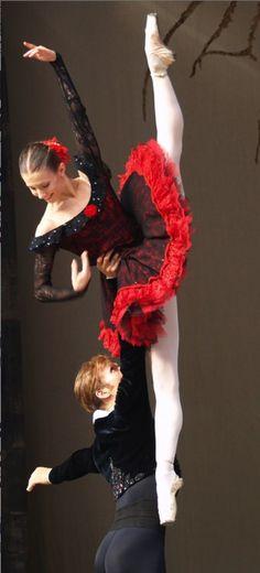 Alina Cojocaru & Johan Kobborg in     Don Quijote