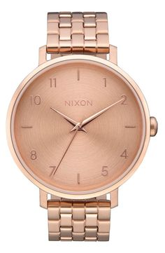 Definitely adding this rose gold Nixon watch to the wish list!