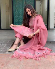 Ideas For Punjabi Bridal Wear Clothes Designer Kurtis, Indian Designer Suits, Designer Dresses, Stylish Dress Designs, Designs For Dresses, Stylish Dresses, Beautiful Dress Designs, Beautiful Suit, Dress Indian Style