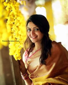 Cute Beauty, Beauty Full Girl, Beauty Women, Bollywood Actress Hot Photos, Cute Girl Photo, Beautiful Girl Indian, Indian Beauty Saree, India Beauty, Girl Photography