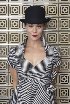 Helen McCrory looking stunning. I love her.